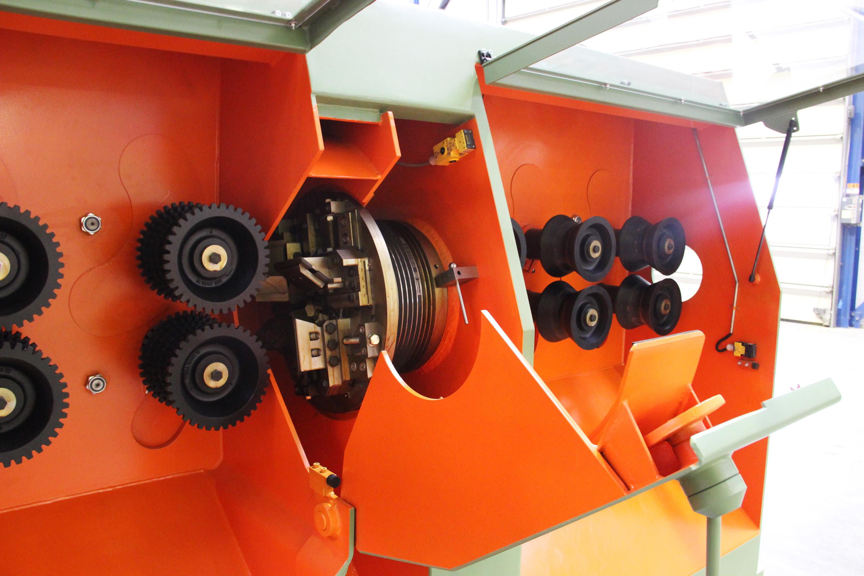 Cutterhead rounding machine