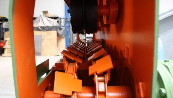 Splitting saw wood processing